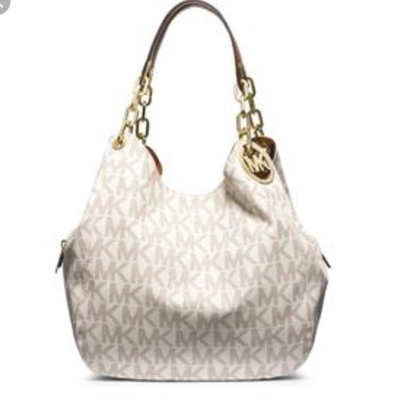 6406b7b8e322 Michael Kors Fulton Vanilla Shoulder Bag. M 5b7cf8575bbb8077846a8756